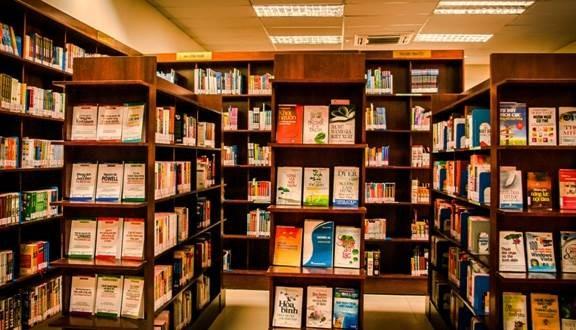 nhà sách gần Lotte Center và Capital Place
